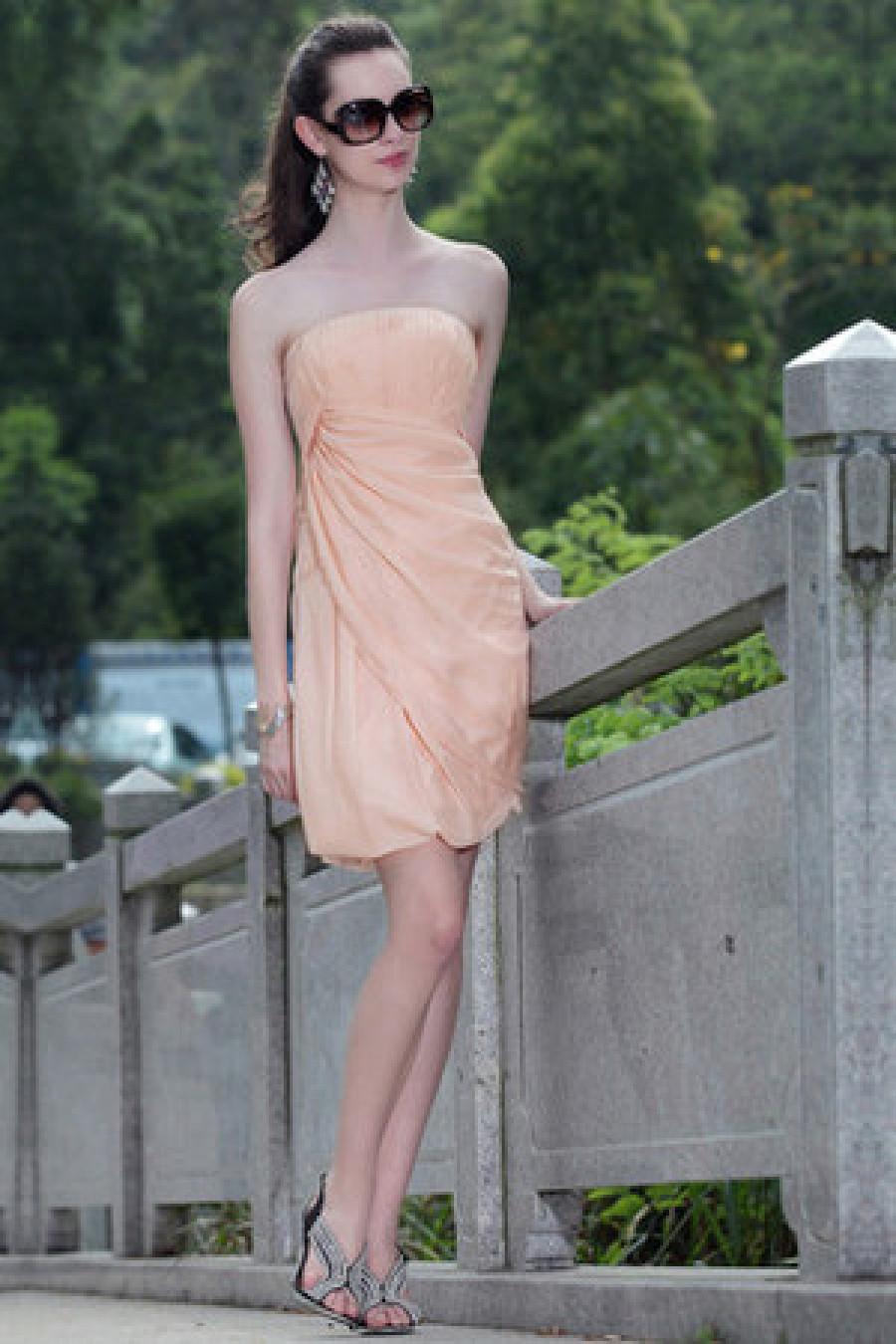 Fabelhafte Kleider im Stil der fünfziger Jahre von Vivien Holloway?