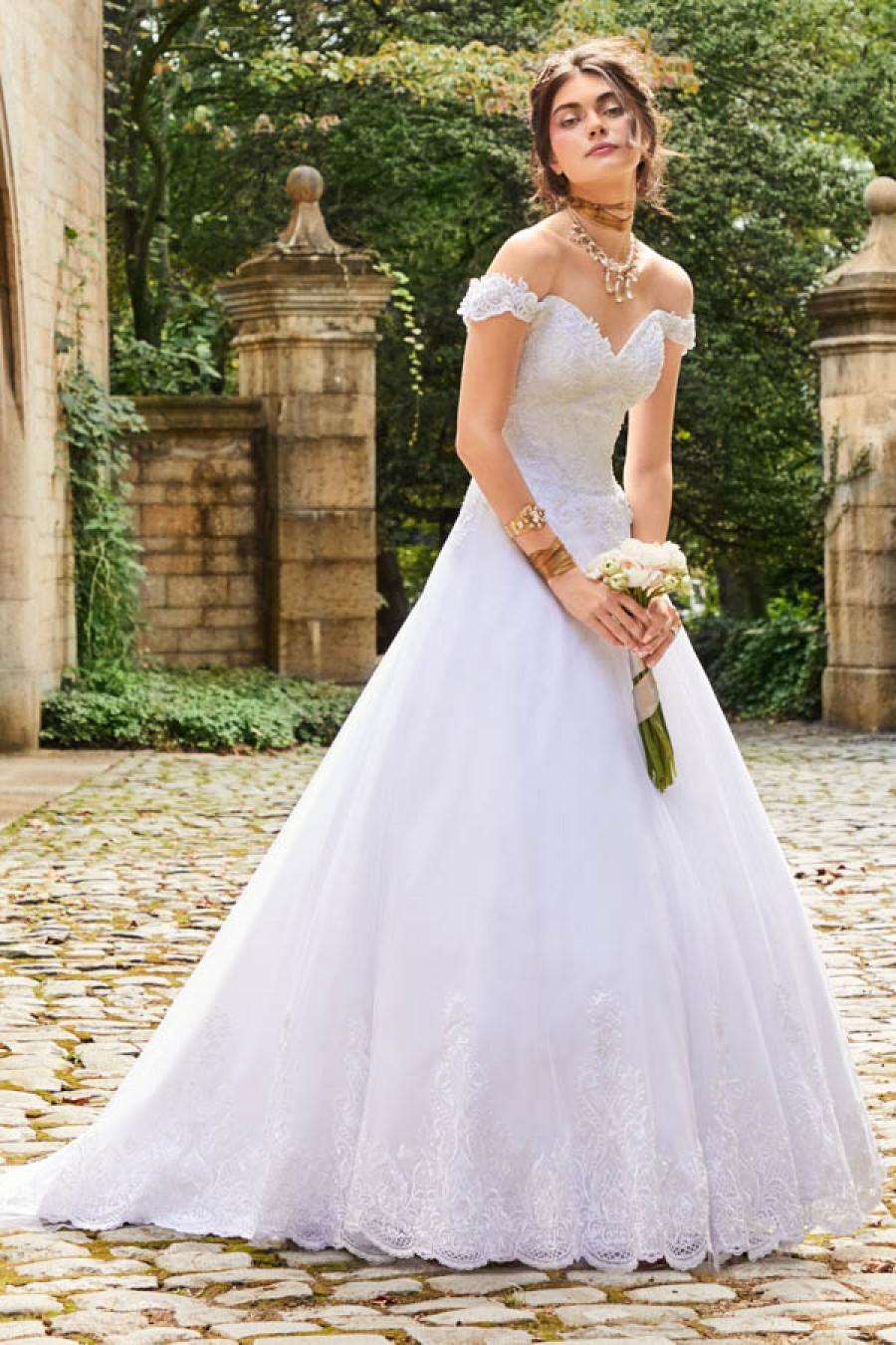 La robe de Jessica qui était parfaitement adaptée à son mariage goodrobe.fr