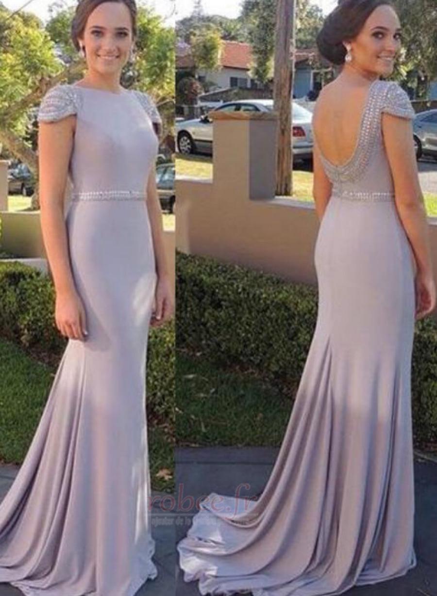 Belle robe de soirée d'été