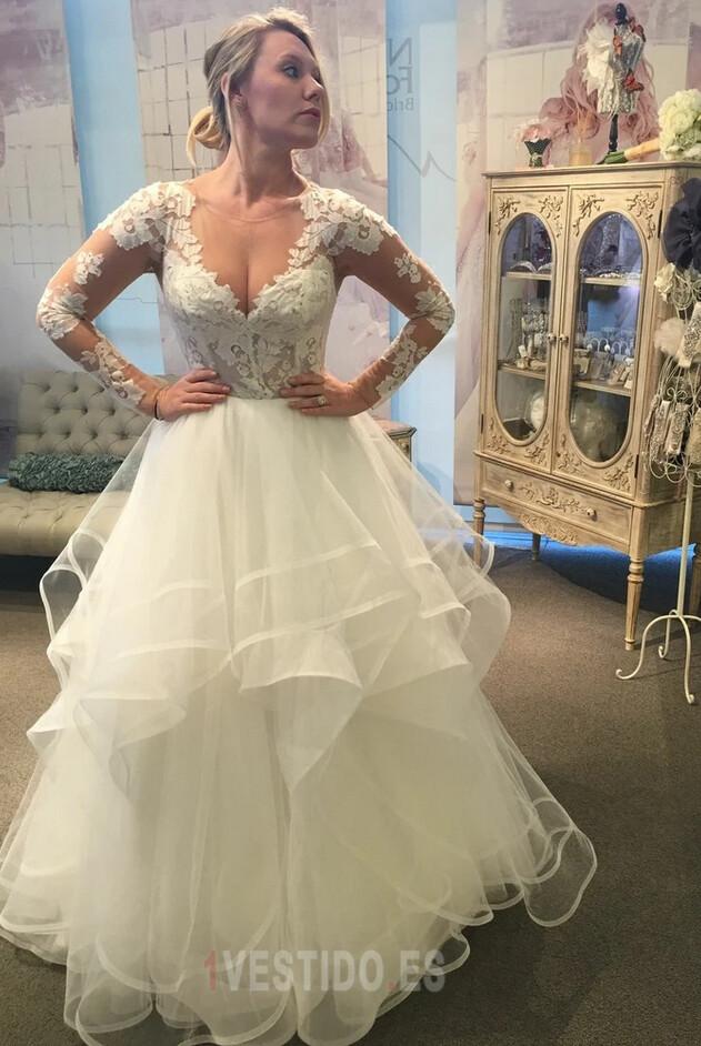 Vestidos de novia de tamaño más - hermosas opciones para las mujeres con curvas