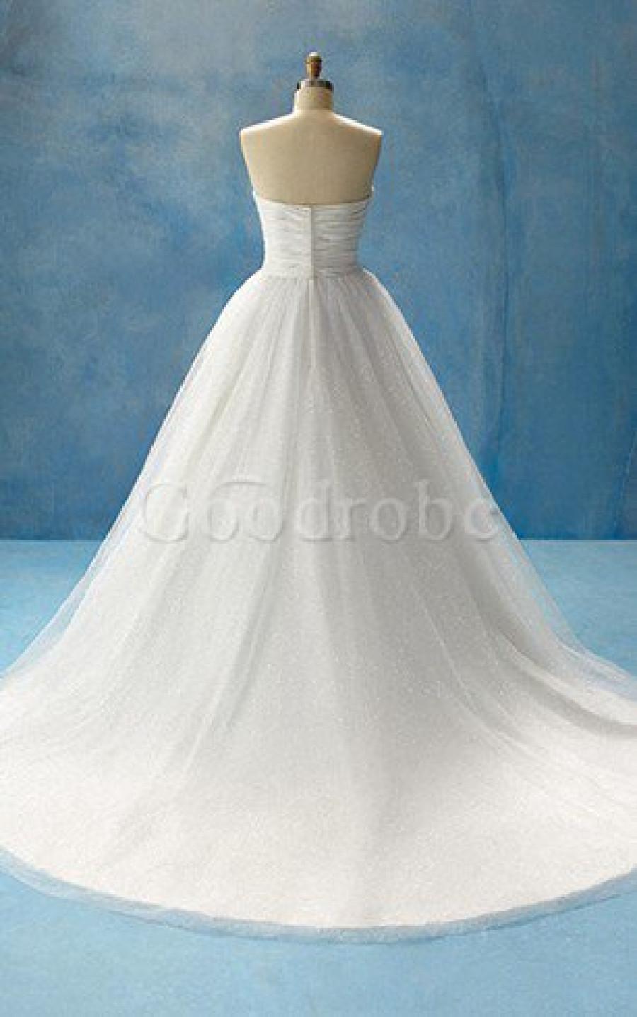 L'inspiration pour mon look de mariée était le glamour hollywoodien à l'ancienne